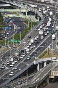 渋滞する道路の写真素材 [FYI00025297]