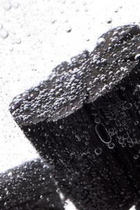 炭を使った水質浄化の写真素材 [FYI00025476]