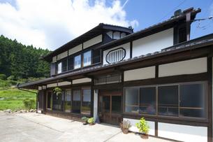 日本家屋の外観の素材 [FYI00025535]