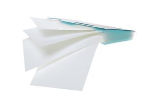 書類ケースと白紙の素材 [FYI00025581]