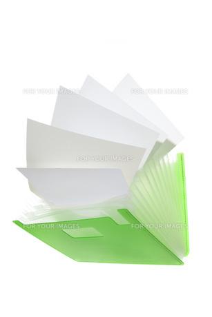 書類ケースと白紙の素材 [FYI00025596]