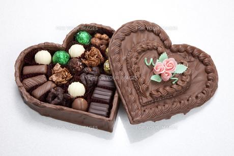 ハートのバレンタインチョコの素材 [FYI00025599]