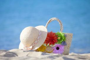 海辺の帽子とカバンの素材 [FYI00025849]