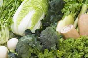 冬野菜のかご盛りの写真素材 [FYI00025964]