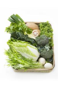 冬野菜のかご盛りの写真素材 [FYI00025983]