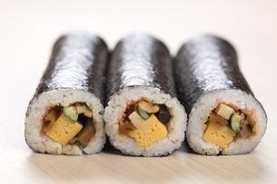 巻き寿司の写真素材 [FYI00025990]