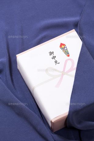 お中元の贈り物の写真素材 [FYI00025995]