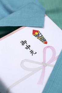 お中元の贈り物の写真素材 [FYI00026006]
