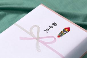 お中元の贈り物の写真素材 [FYI00026012]