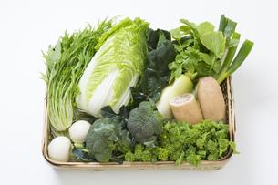 冬野菜のかご盛りの写真素材 [FYI00026045]