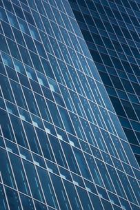 高層ビルの断熱ガラスの写真素材 [FYI00026191]