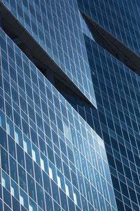 高層ビルの断熱ガラスの写真素材 [FYI00026194]