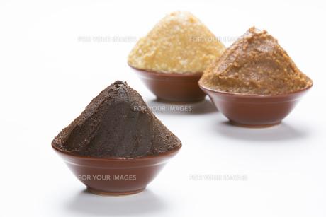 大豆味噌と米味噌の写真素材 [FYI00026320]