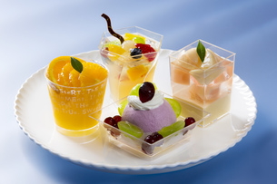 4種類のカップケーキの写真素材 [FYI00026598]