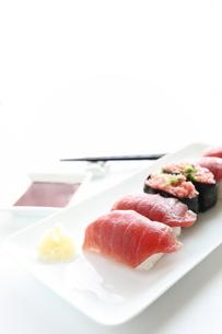 マグロの寿司セットの写真素材 [FYI00027086]