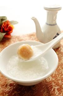貝柱の中華粥の写真素材 [FYI00027153]