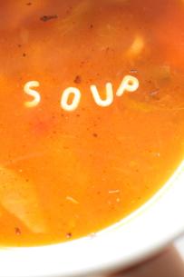 英文字のSoupのパスタスープの写真素材 [FYI00027350]