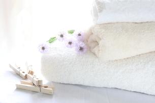 洗濯バサミとタオルの写真素材 [FYI00027379]