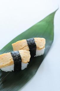 玉子寿司の素材 [FYI00028438]