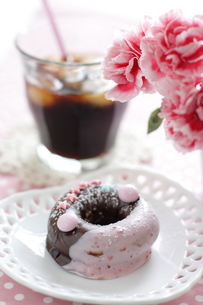ドーナツとアイスコーヒーの素材 [FYI00028448]