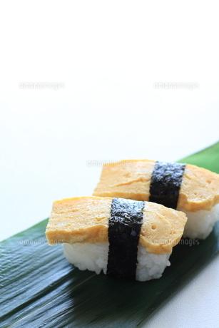 タマゴ寿司の素材 [FYI00028457]