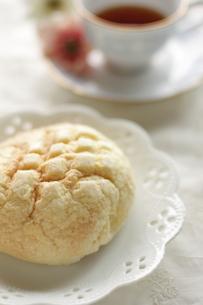 メロンパンの朝食の写真素材 [FYI00028971]