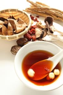 漢方スープの写真素材 [FYI00029121]