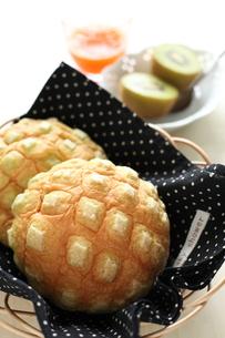 メロンパンの朝食の写真素材 [FYI00029195]
