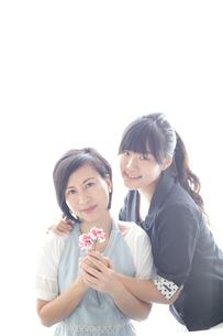 40代の母と大学生の娘の素材 [FYI00029225]