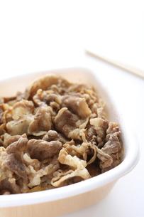 牛丼のお弁当の素材 [FYI00029447]