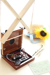 子供の科学の手作り1石トランジスタラジオの写真素材 [FYI00029557]