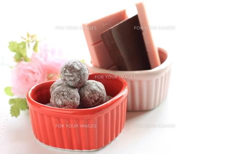 バレンタインチョコを作るの素材 [FYI00030198]