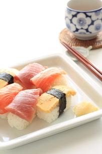 寿司とお茶の素材 [FYI00030219]
