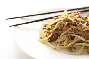 もやしと挽肉の中華炒めの素材 [FYI00030269]