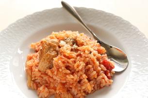 トマトと鶏肉のリゾットの写真素材 [FYI00030369]