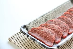 焼肉用の牛肉の写真素材 [FYI00030598]
