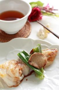 中華のしょうがとねぎの焼き魚の写真素材 [FYI00030717]