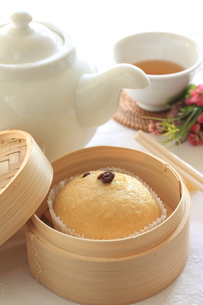 飲茶のマーラーカオの写真素材 [FYI00030940]