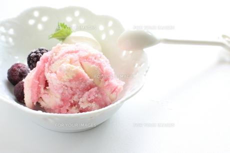 イチゴアイスクリームの素材 [FYI00031270]
