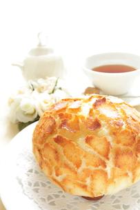 パンと紅茶の写真素材 [FYI00031435]