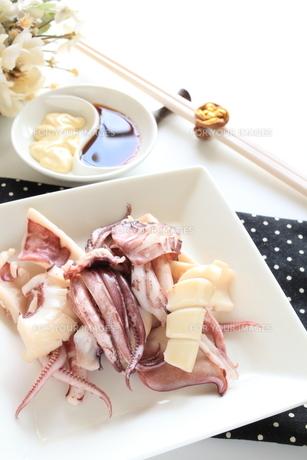 中華料理の茹でイカの写真素材 [FYI00031467]