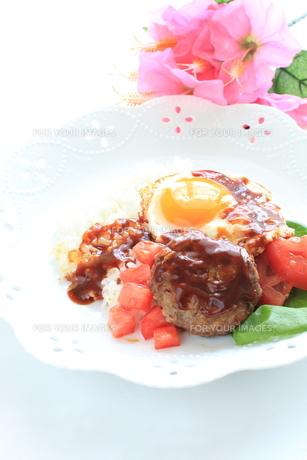 ハワイアン料理のロコモコの写真素材 [FYI00031520]