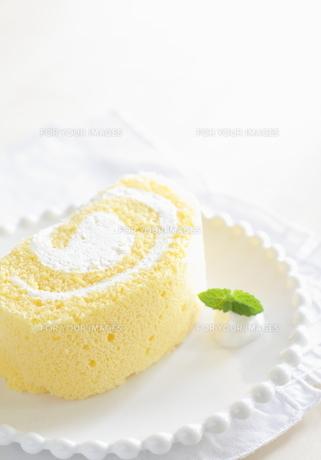 ロールケーキの写真素材 [FYI00031847]