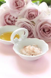 マッサージ海塩と薔薇の素材 [FYI00032121]