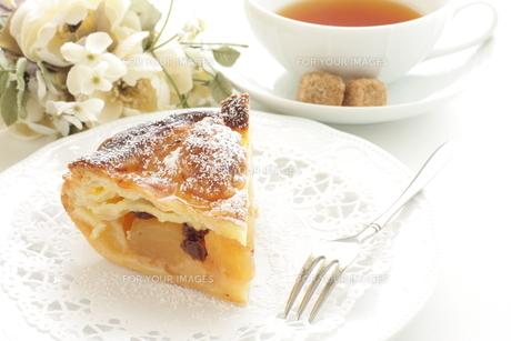 アップルパイと紅茶の写真素材 [FYI00032671]