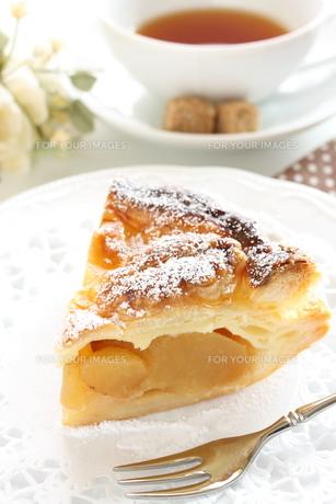 アップルパイと紅茶の写真素材 [FYI00032684]
