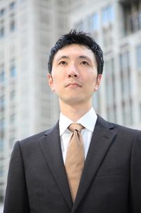 真顔のビジネスマンの写真素材 [FYI00032803]