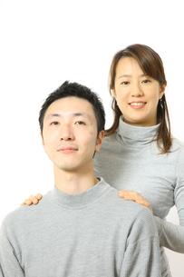 笑顔のカップルの写真素材 [FYI00032824]