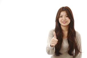 グーサインをする女性の写真素材 [FYI00032949]