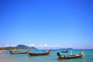プーケット島ラワイビーチのトロピカルリゾートの写真素材 [FYI00034749]